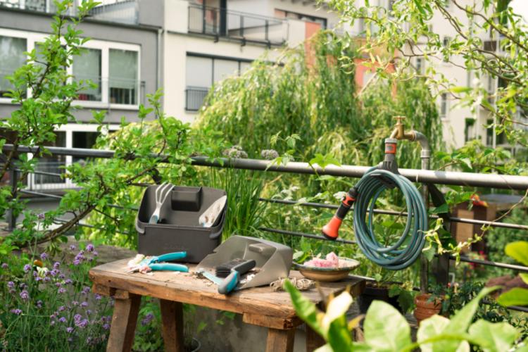 gardena-amenagement-balcon-terrasse-rez-de-jardin-maison-et-jardin