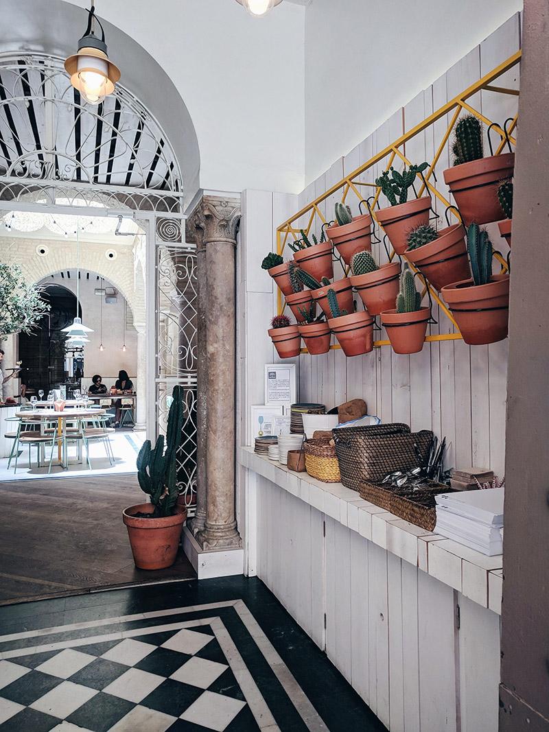 El Pintón-design-tapas-bar-siviglia