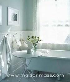 clawfoot tub, antique tub, bathroom,