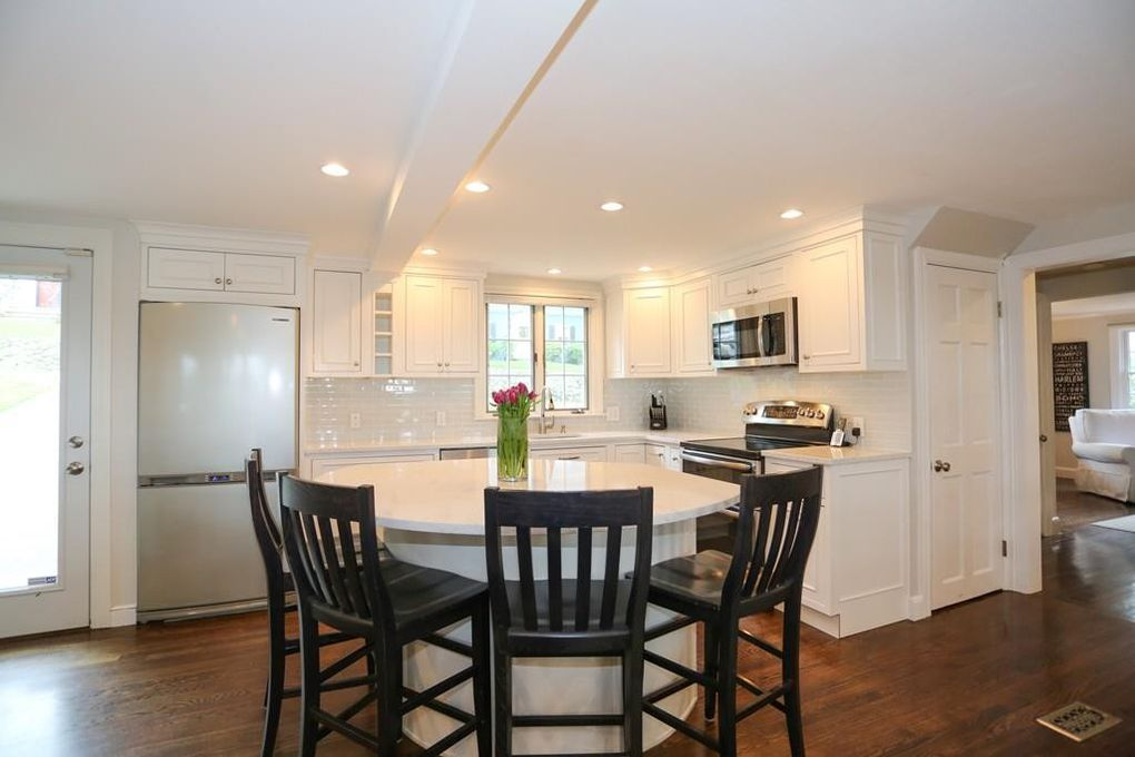 8 Ways to Fix a Home with Low Ceilings • Maison Mass