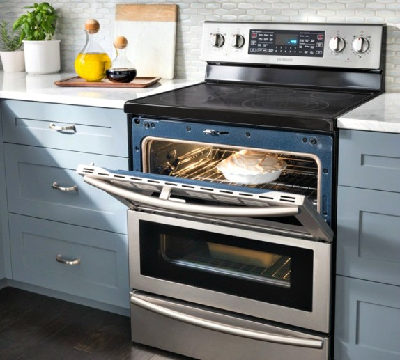 kitchen appliances; dual oven