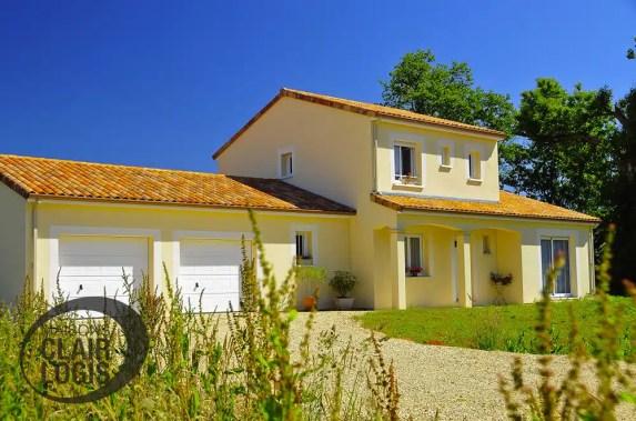 Maison traditionnelle avec double garage