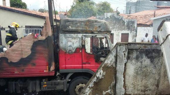 Caminhão fogo 4