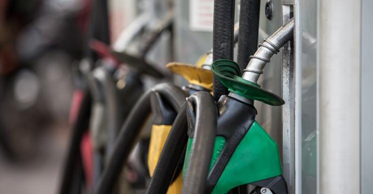 Petrobras anuncia redução do preço da gasolina em 3%