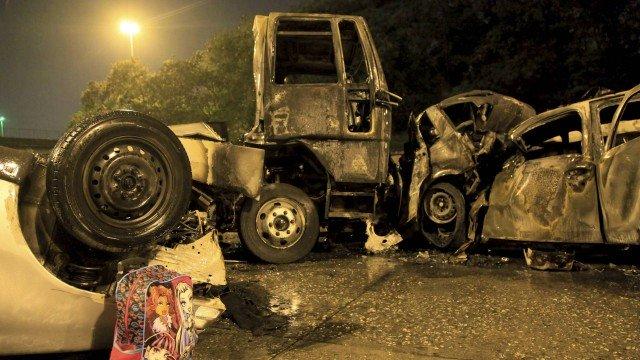 Acidente com caminhão e carros deixa quatro mortos no Rio