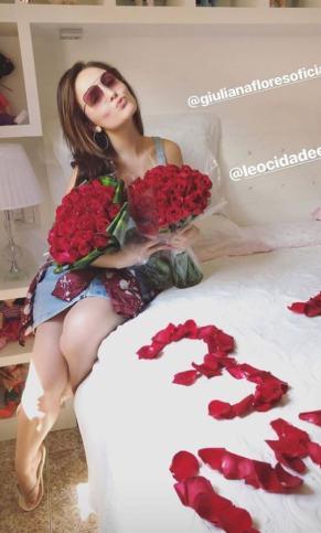 Larissa Manoela ganha surpresa do namorado (Foto: Reprodução/Instagram)