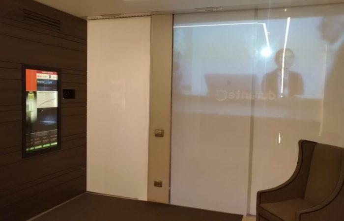 L'ingresso della Durante Spa mette in evidenza un aspetto dell'azienda- la tecnologia e il digitale per le video -comunicazioni