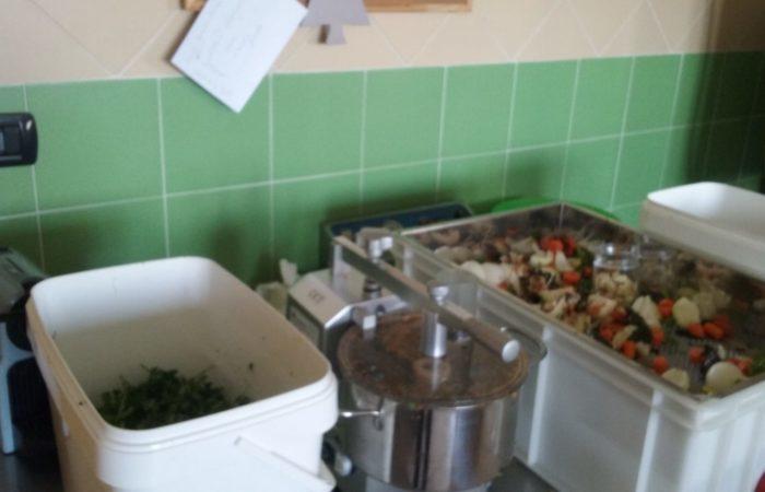 Preaprazione brodo vegetale