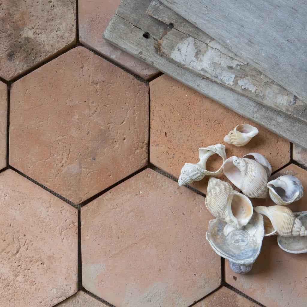 reclaimed terracotta hex rojo