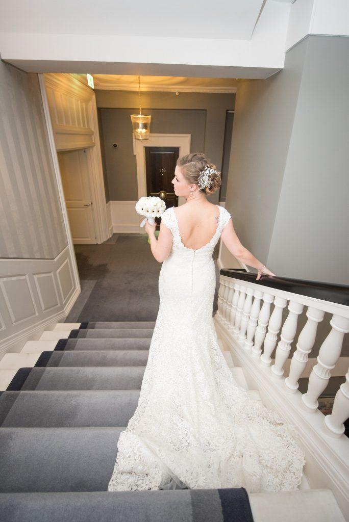 Brudehår og Makeup på den smukke brud Marie fra d'angleterre
