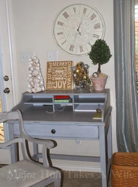 Living Room Desk Christmas