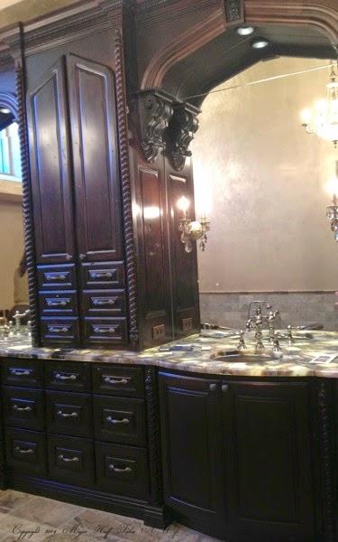 Bathroom Vanity built in taht are amazing