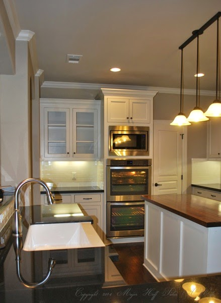 Classic kitchen double oven wall