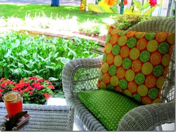 Crafts a la mode front patio