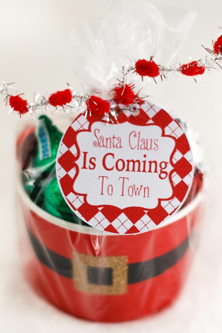 photograph about Santa Claus Printable named Cost-free Printable Santa Claus Is Coming Towards Metropolis Present Tags