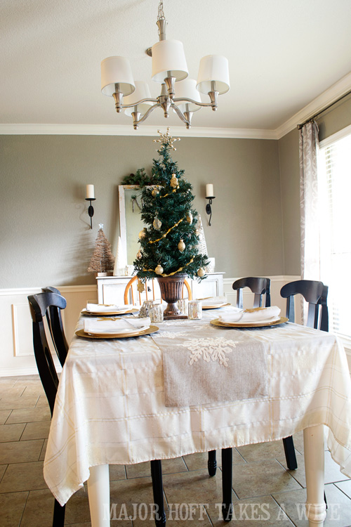 Table Decorations and Dining Room Decorating Ideas For ...