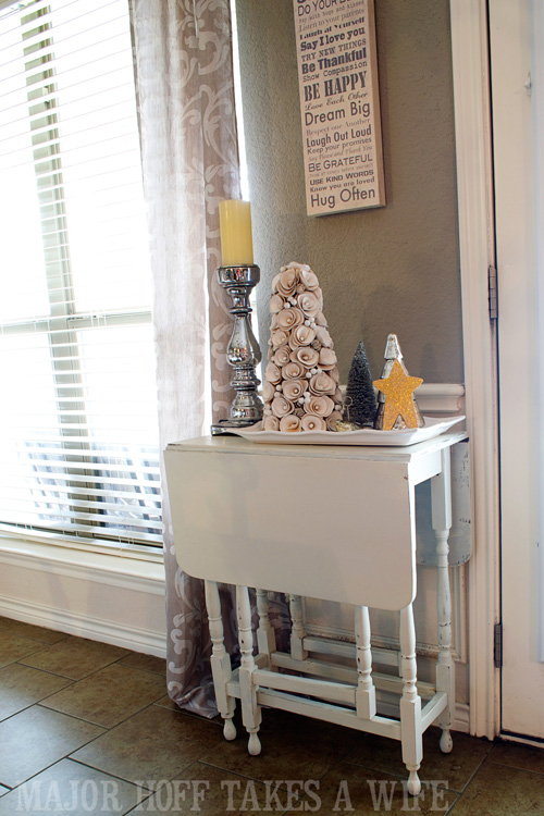 Gate Leg Table decorated for Christmas. A delightful Dining Room Holiday Tour. See how Mrs Major Hoff decorates for Christmas. The tour features table decorations, dining room decorating ideas, place settings and an idea for  homemade Christmas gift that can be personalized for your holiday guests. This post is part of the Home For The Holidays Blog Tour.