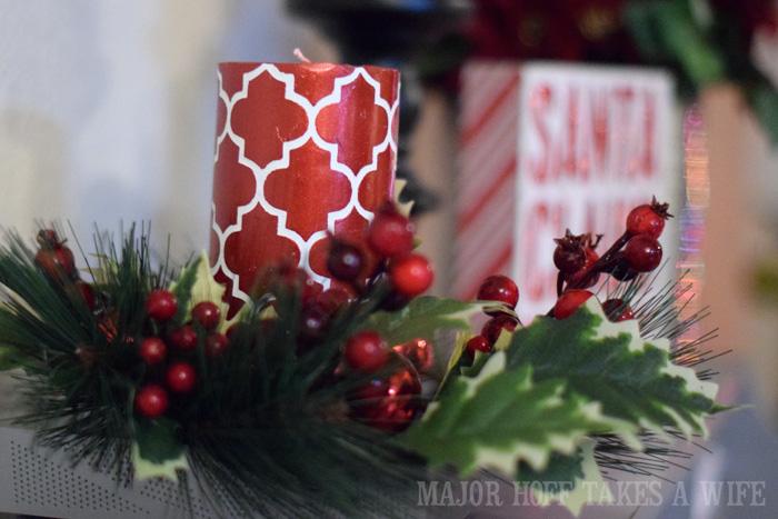 Lattice Christmas candle with wreath ring