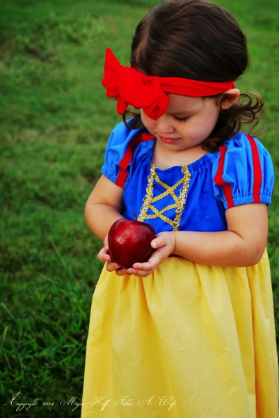 Snow White Peasant Dress Easy Halloween Costume