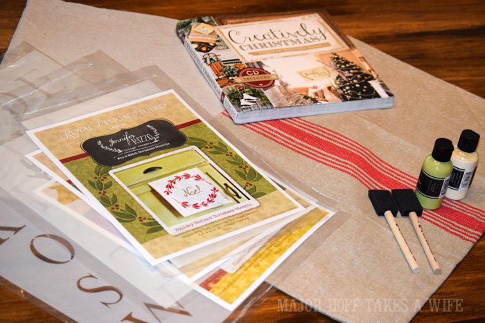 Using Jennifer Rizzo Stencils from Royal Design Studio to make a creative Christmas. Looking for a way to bring Creativity into your Holiday Decor? Use easy to find items like pillow covers or dish towels, along with stencils to decorate your home for the Holidays. Enjoy crafting your own decorations this Christmas! #Christmas #Holidays #crafts #HolidayIdeas