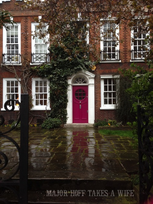 Add a pop of color to your front door. Looking for painting ideas? About to pick a front door color? Be inspired by these doors found in London. From classic to bold, there is sure to be a color that suits you! #color #inspiration #London #FrontDoor #paintingideas