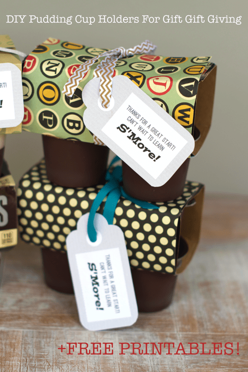DIY Pudding Cup Holders For Gift Giving. Easy to make DIY pudding cup holders for gift giving along with free printable tags for new neighbors, teachers or friends! #chocolate #smores #readysetsnack #cbias #ad