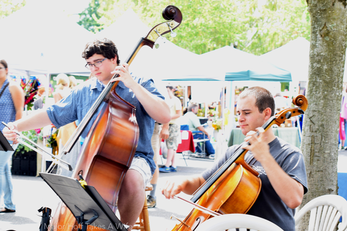 Live music at the salem farmers market