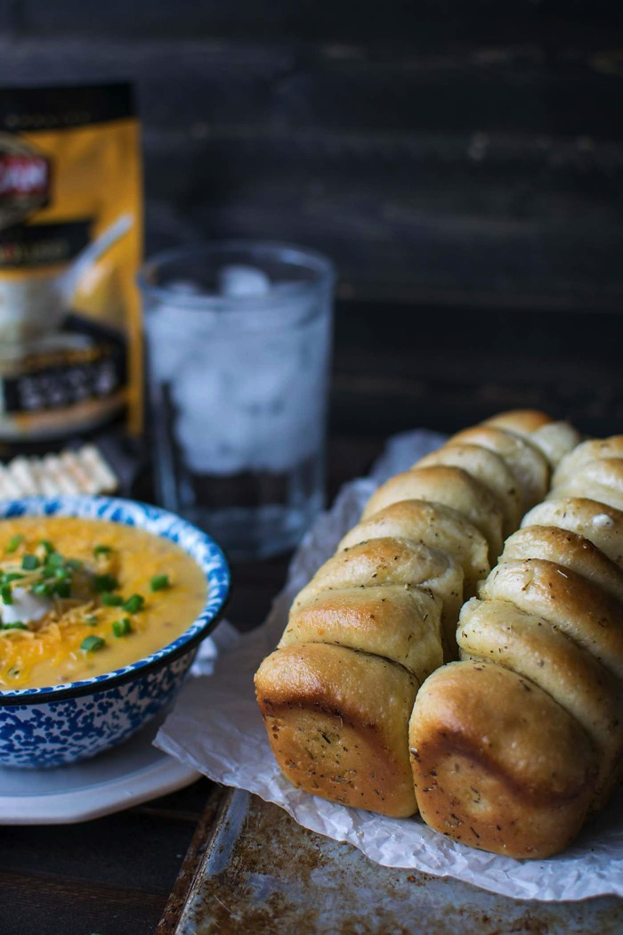 Garlic pull apart bread with soup