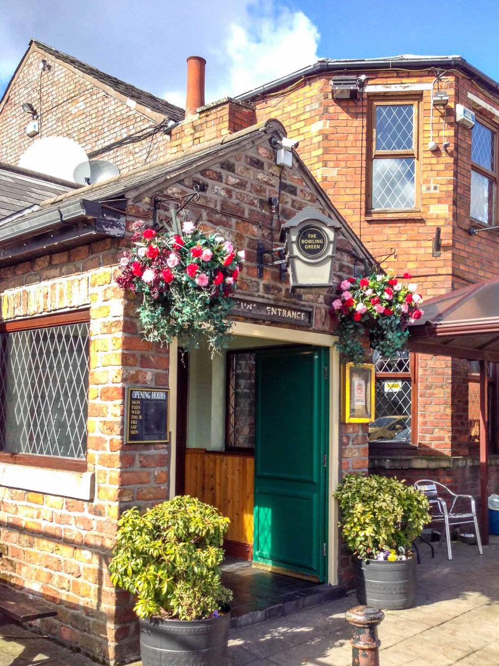 Bowling Green Pub genealogy based travel tips
