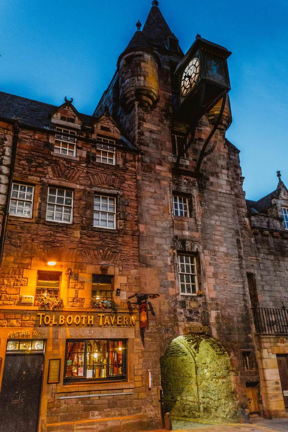 Edinburgh Canongate Tolbooth historical prison