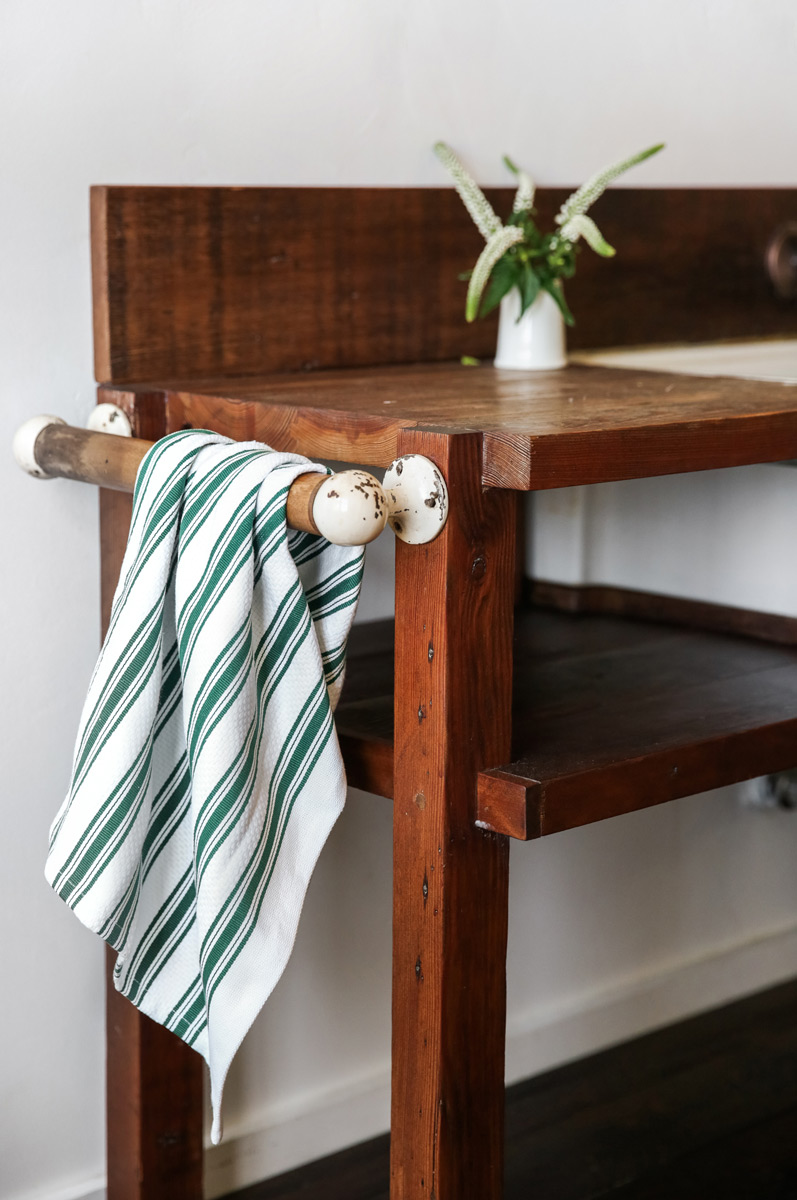 Grove Collaborative Holiday towel with Mrs Meyers Clean Day bundle