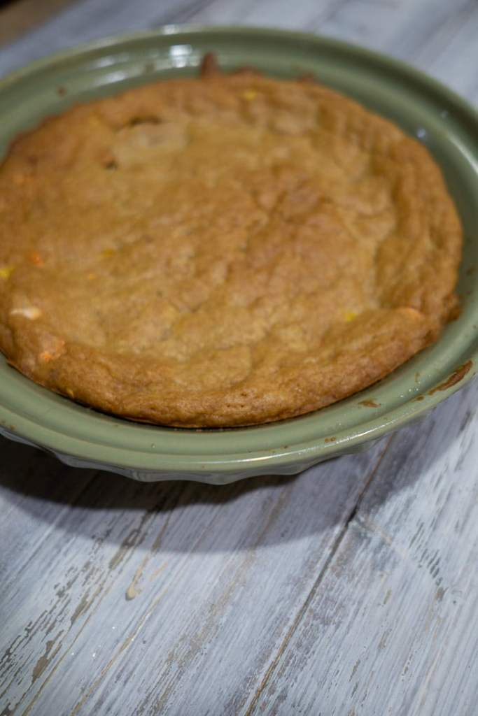 Reese's Pie step 4: Allow cookie crust to cool and flatten