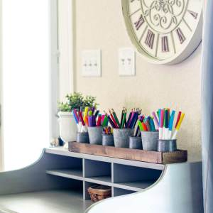 Farmhouse pencil and marker storage for desktop