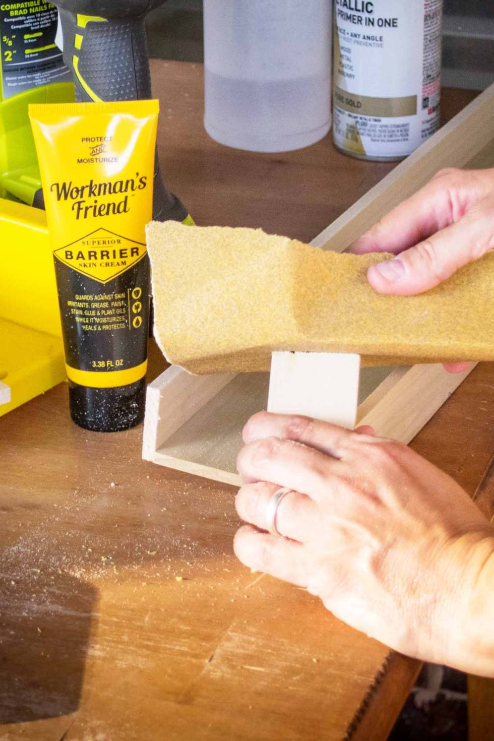 Prevent saw dust from sticking to hands with workman's friend!