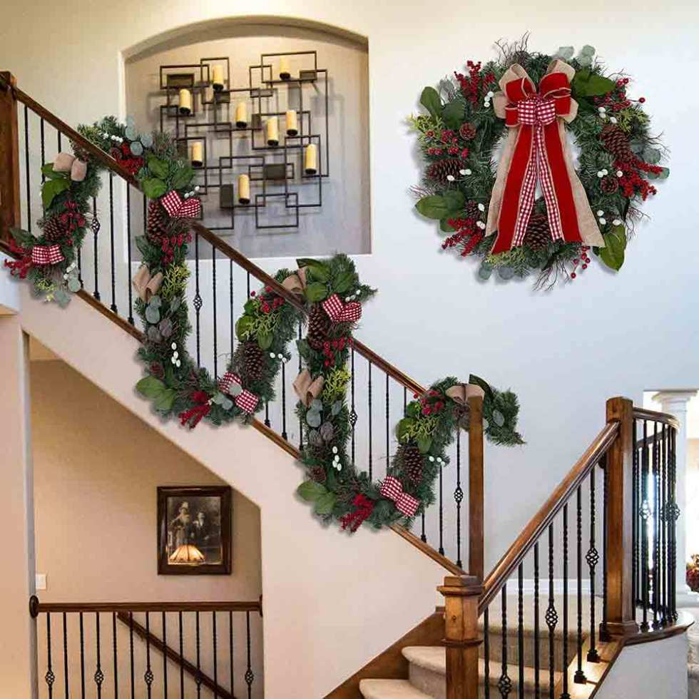 Farmhouse Christmas Wreath With Bows