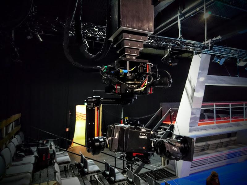 NEWTON TV SET 2