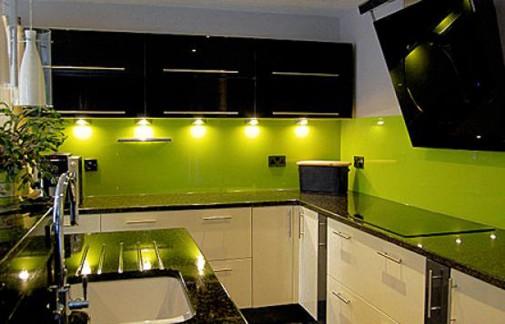 Kuhinja-u-limeta-zelenoj-boji-505x324