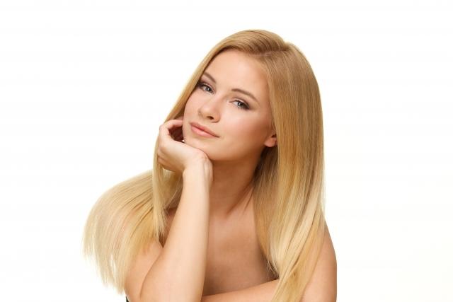 効果的な脱毛を受ける女性