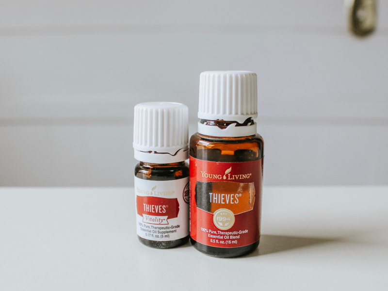 Young-living-thieves-starter-kit-oils