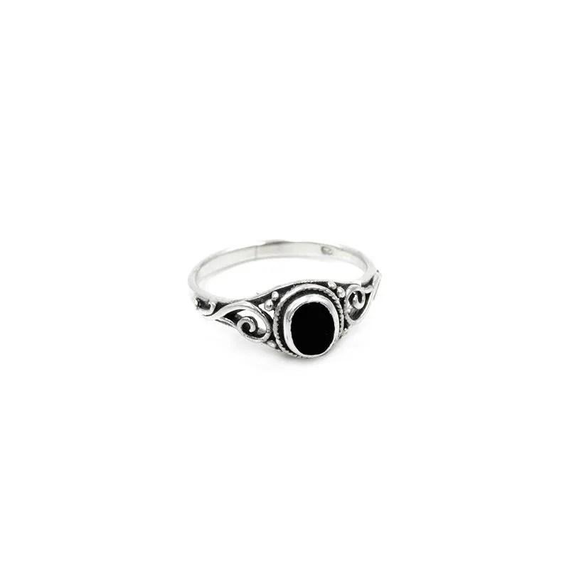 anillo boho con piedra negra ónix en plata de ley