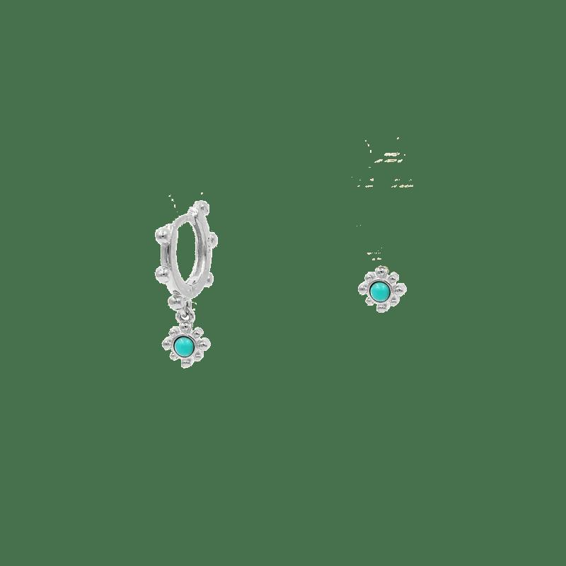 Pendientes asimétricos de flor en plata de ley y turquesas