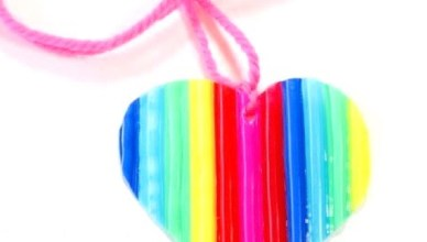 DIY Heart Keyring Made from Plastic Straws
