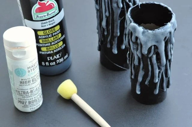 Paint the candles made out of toilet paper rolls