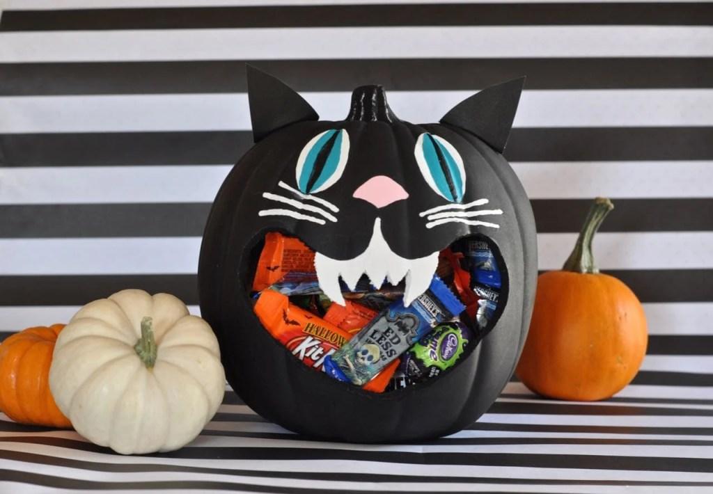DIY Halloween Black Cat Candy Bowl