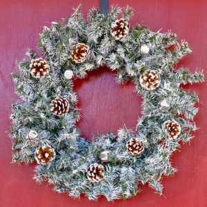 How to Make Your Own Winter Wreath
