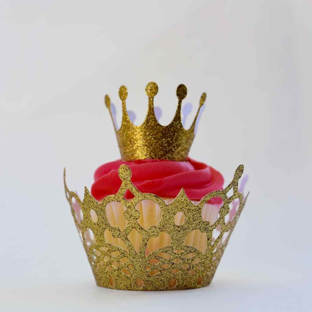 Princess crown cupcake topper with Sizzix