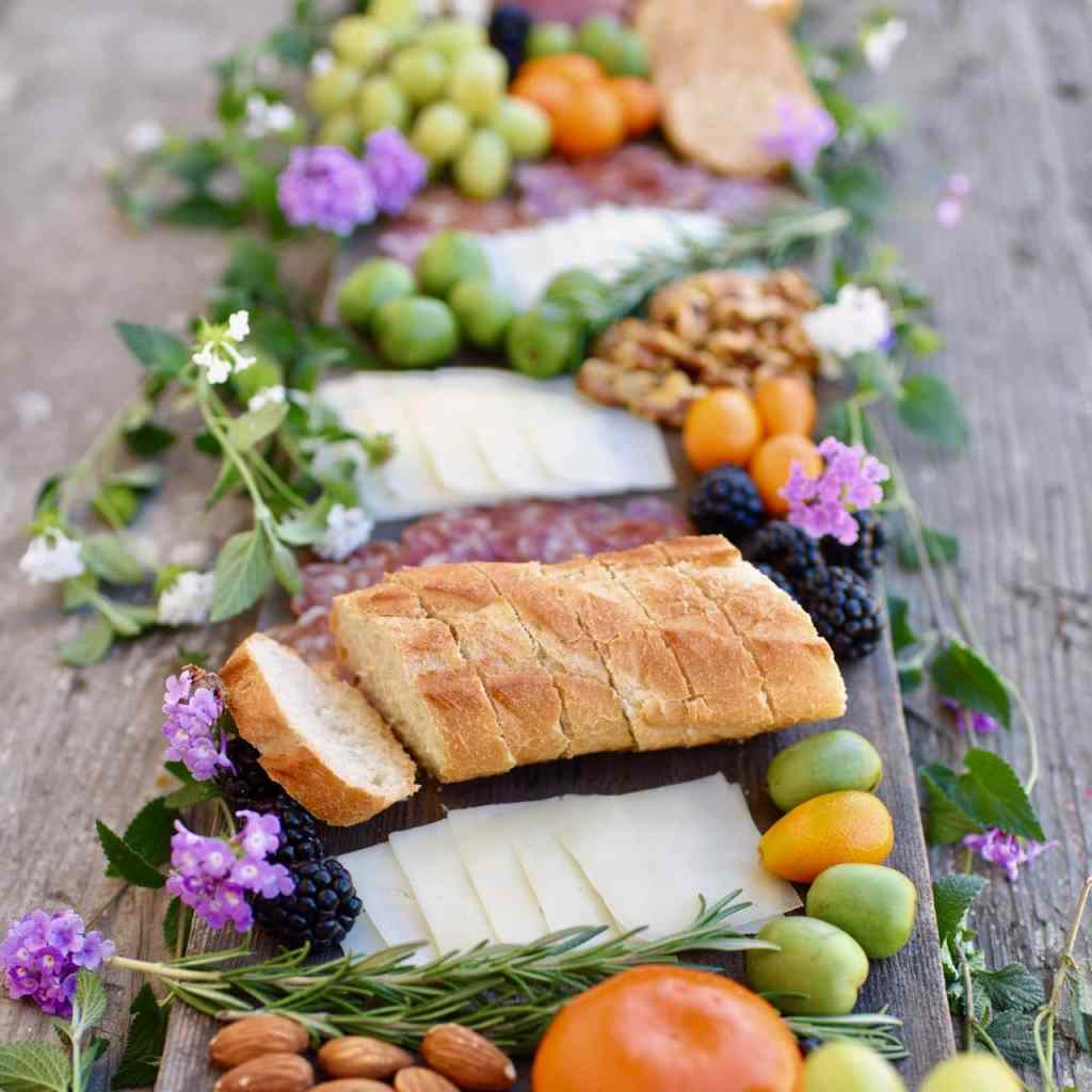 How to make a charcuterie and cheese plate