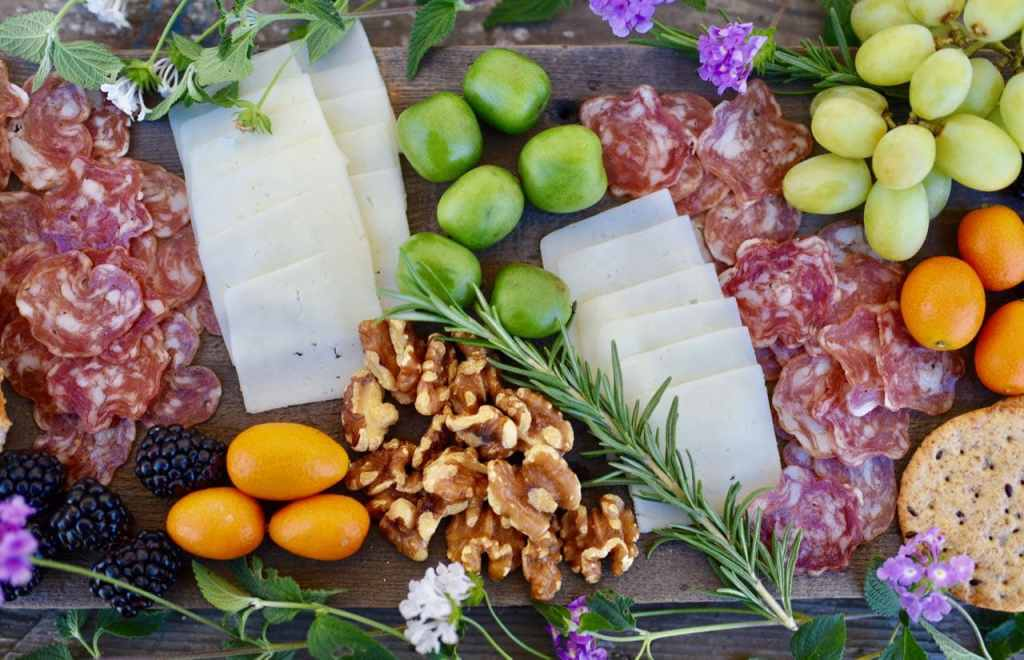 How to make a charcuterie platter and cheese plate