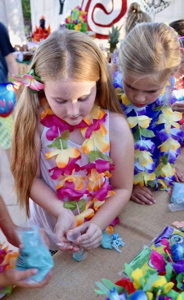 Moana birthday party sand art craft