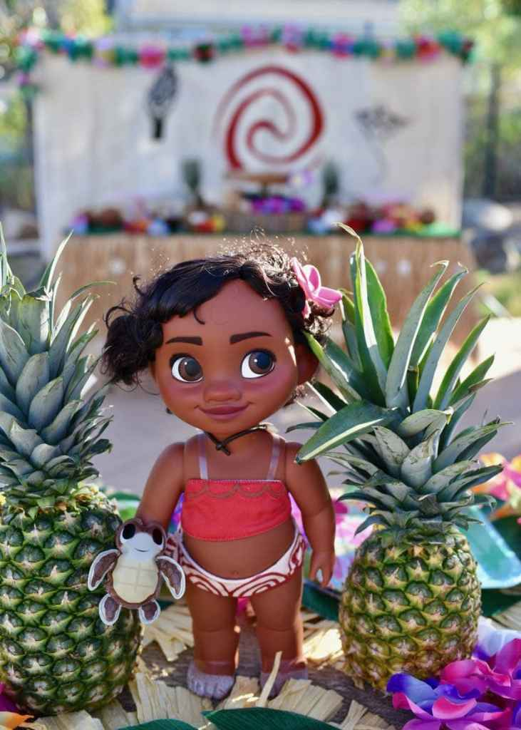 Moana birthday party tables and decorations